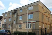 Flat to rent in Alveston Square, London...
