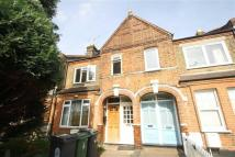 3 bed Flat to rent in Warner Road, Walthamstow