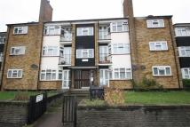 Flat to rent in Walnut Court, Walthamstow