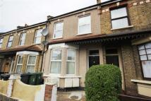 Studio flat to rent in Somers Road, Walthamstow
