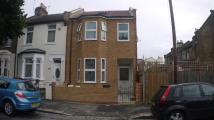 1 bed Ground Flat in Hesketh Road...