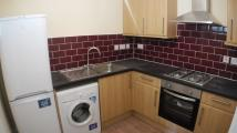 Flat to rent in York Road, Ilford, IG1