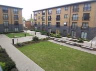 Ground Flat to rent in Capulet Square, London...