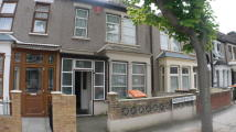 3 bed Terraced house in Henderson Road, London...