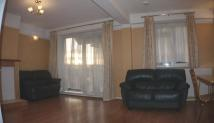 3 bed Maisonette to rent in Gillman Drive, London...