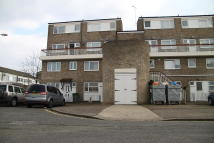 Maisonette to rent in Gawsworth Close, London...