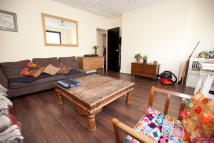 Flat to rent in BIRKBECK MEWS, London, E8