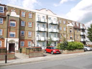 Flat to rent in MEMORIAL AVENUE, London...