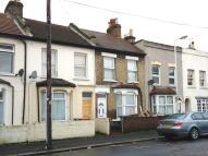 2 bedroom semi detached home to rent in Cruishank Road...