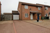2 bed property to rent in Grove Close, Scarning...