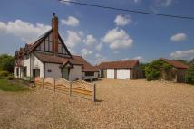 3 bed Detached house in Meadow Lane, Carbrooke...