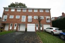 2 bedroom Terraced home in Featherbank Grove...