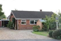 2 bedroom Semi-Detached Bungalow in Admirals Walk, Hingham...