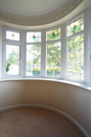 Feature Bay Window