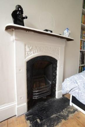 Period Fireplace (Bed 2)