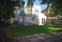 4 bedroom Detached property in Burcharbro Road, London...