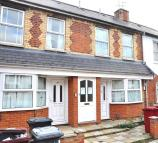 2 bed Flat to rent in Lynmouth Road, Reading...