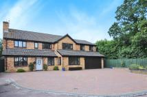 6 bed Detached home in Woodward Close, Winnersh...