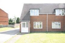 2 bedroom semi detached property to rent in Heathfield Drive, Taunton