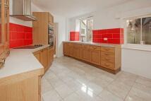4 bedroom Terraced property to rent in Victoria Terrace, Taunton