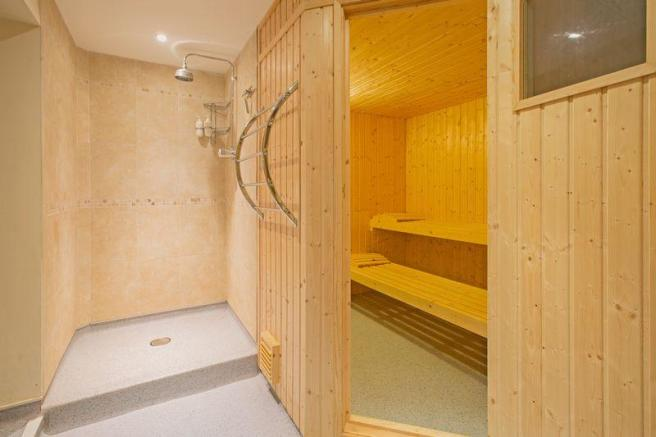 sauna/wet room