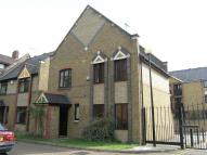 Detached home to rent in President Drive, Wapping...
