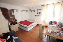 2 bedroom Flat to rent in Ross House, Wapping