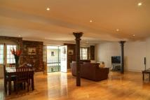 2 bedroom Apartment in Dundee Court, Wapping...