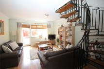 2 bedroom Terraced house in Vinegar Street, Wapping...