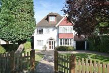 Detached property in CARSHALTON BEECHES