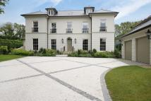 6 bed Detached property in SOUTH CHEAM