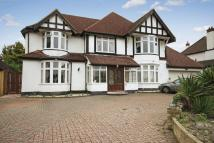 6 bedroom Detached property in SOUTH CHEAM
