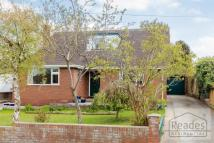 4 bed Detached Bungalow in Brookdale Avenue...