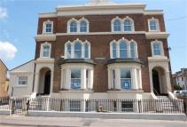 Apartment to rent in Darnley RdGravesend