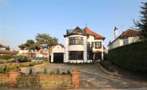 5 bedroom Detached home in Chalkwell Avenue...
