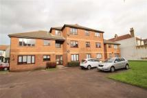 2 bedroom Flat to rent in Queens Avenue...