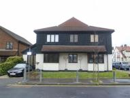 3 bedroom Flat in Ronald Hill Grove...