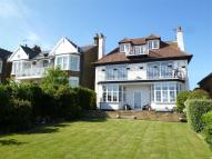 4 bed Detached home in Cliff Parade...