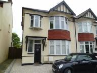 Flat to rent in Westleigh Avenue...