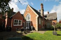 2 bed semi detached house in Old School Place...