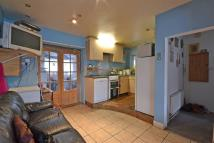 2 bedroom semi detached house for sale in Woking