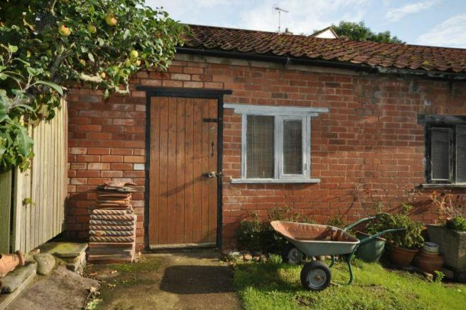 Outbuilding/Store