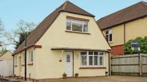 2 bed Detached home in Chingford Avenue...