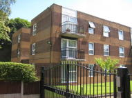 Manor Court Ground Flat to rent