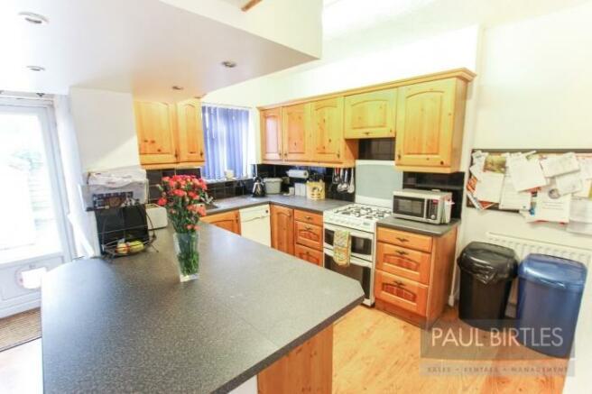 855_kitchen.jpg