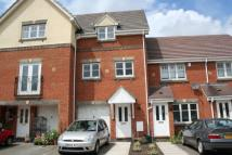 3 bedroom Town House to rent in Cousins Way...