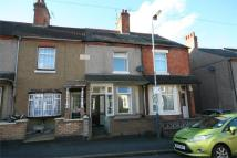 2 bed Terraced property in Claremont Road...