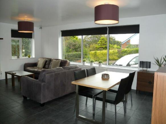 Lounge/Dining Room 2