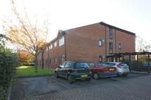 2 bedroom Flat in Albert Walk, CROWTHORNE...