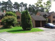 4 bed house in CROWTHORNE